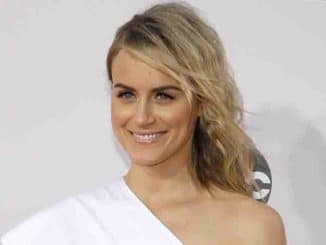 Taylor Schilling - 2014 American Music Awards