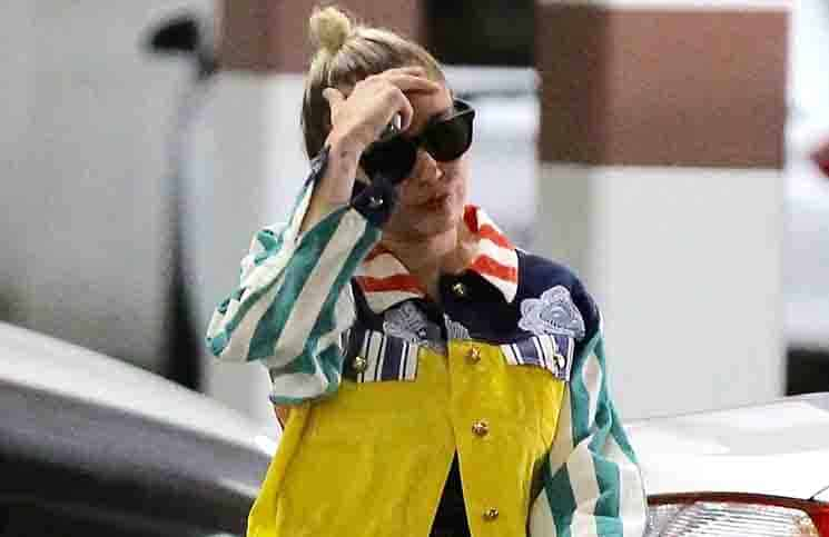 Miley Cyrus Sighted in Encino on July 21, 2015