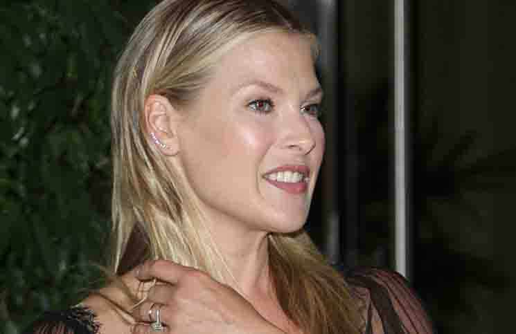 "Ali Larter - Aviva Family and Children's Services 100th Anniversary ""A"" Fundraising Gala"