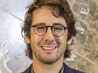 Josh Groban - Empire State Building Hosts Josh Groban in New York City