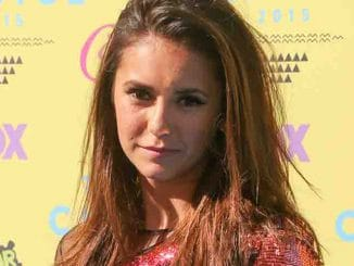 Nina Dobrev - Teen Choice Awards 2015