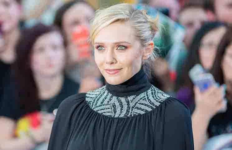 Elizabeth Olsen und die Designer-Kleider - Promi Klatsch und Tratsch