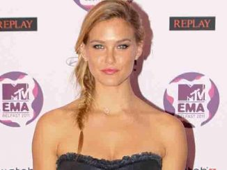 Bar Refaeli - 2011 MTV Europe Music Awards