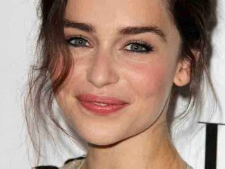 "Emilia Clarke - Elle Magazine 20th Annual ""Women In Hollywood"" Event"