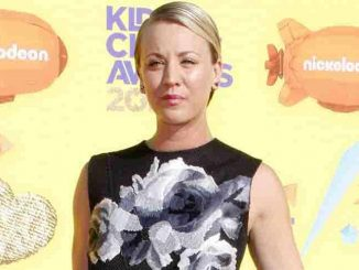 Kaley Cuoco-Sweeting - Nickelodeon's 28th Annual Kids' Choice Awards