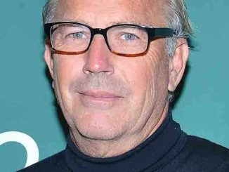 """Kevin Costner """"The Explorer's Guild"""" Book Signing at Barnes & Nobles in Union Square on October 20, 2015"""