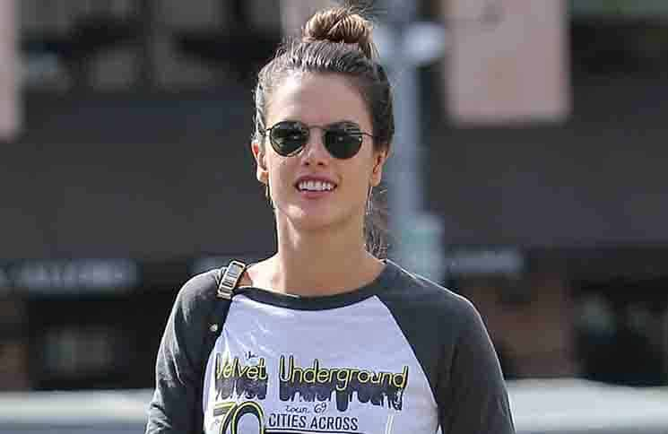 Alessandra Ambrosio Sighted in Los Angeles on October 27, 2015