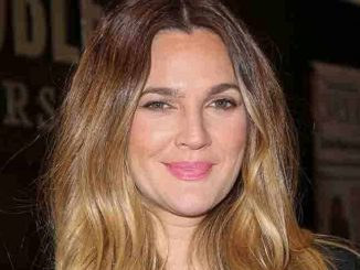 "Drew Barrymore ""Wildflower"" Book Signing at Barnes & Noble at The Grove on November 4, 2015"