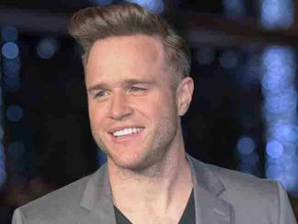 "Olly Murs - ""Ed Sheeran Jumpers for Goalposts"" World Premiere"