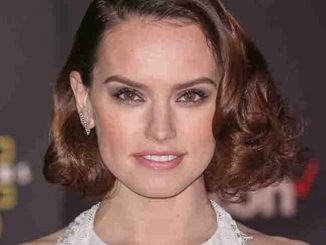 "Daisy Ridley - ""Star Wars: The Force Awakens"" World Premiere"