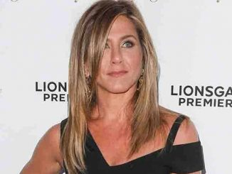 """Jennifer Aniston - """"She's Funny That Way"""" Los Angeles Premiere"""