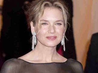 "Renee Zellweger - ""Schiaparelli and Prada: Impossible Conversations"" Costume Institute Gala"