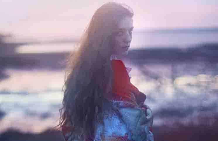 "Birdy: Neue Single ""Keeping Your Head Up"" - Musik News"