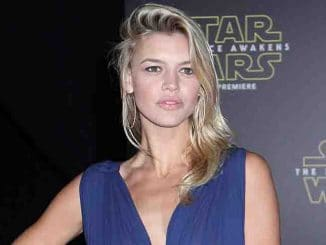 "Kelly Rohrbach - ""Star Wars: The Force Awakens"" World Premiere"
