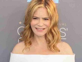 Jennifer Jason Leigh - The 21st Annual Critics' Choice Awards