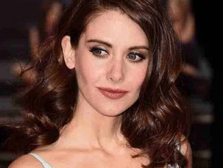 "Alison Brie - ""How to Be Single"" UK Premiere"