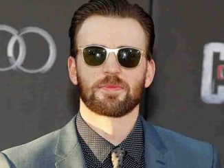 "Chris Evans - ""Captain America: Civil War"" World Premiere"