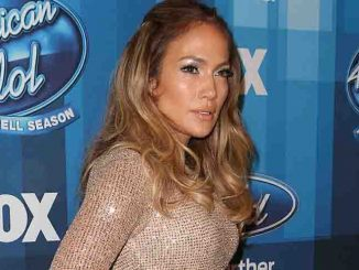 "Jennifer Lopez - FOX's ""American Idol"" Series Finale - Arrivals"