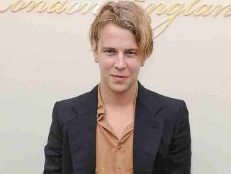 Tom Odell - London Fashion Week Autumn/Winter 2016