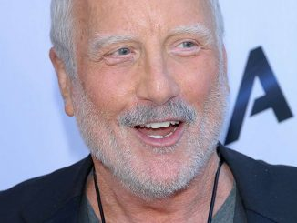"Richard Dreyfuss - ""Paranoia"" Los Angeles Premiere - Arrivals"
