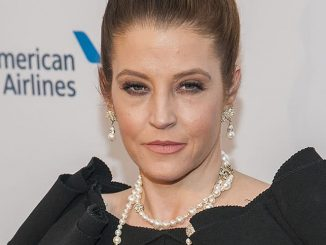 "Lisa Marie Presley - Elton John AIDS Foundation's 12th Annual ""An Enduring Vision Benefit"""