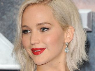 "Jennifer Lawrence - ""X-Men: Apocalypse"" Global Fan Screening"