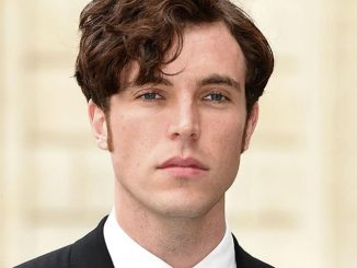 Tom Hughes - 2016 Royal Academy of Arts Summer Exhibition VIP Preview