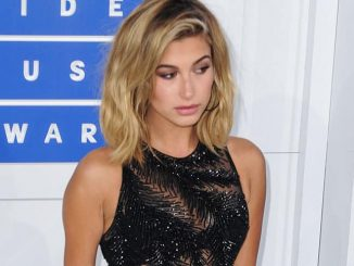 Hailey Baldwin - 2016 MTV Video Music Awards