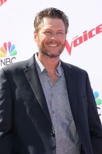 "Blake Shelton - ""The Voice"" Karaoke for Charity - 2"