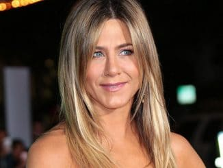 "Jennifer Aniston - ""Office Christmas Party"" Los Angeles Premiere"