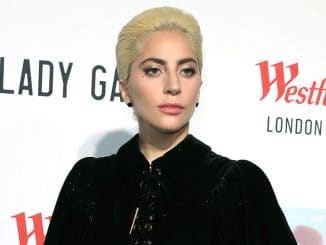 Lady Gaga Performs Secret Gig for Fans at Westfield London on December 1, 2016