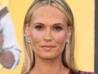 "Molly Sims - ""Central Intelligence"" Los Angeles Premiere"