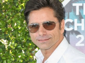 John Stamos - 2016 Teen Choice Awards