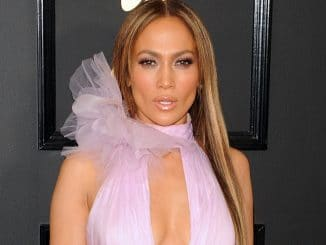 Jennifer Lopez - 59th GRAMMY Awards
