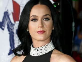 "Katy Perry - ""Office Christmas Party"" Los Angeles Premiere - 3"