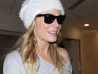 LeAnn Rimes Sighted at LAX Airport on December 4, 2016