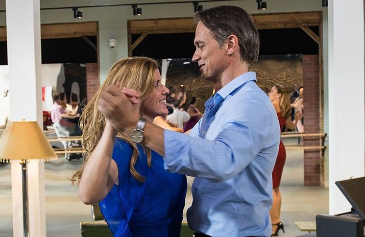 Katie Fforde: Herzenssache - Audrey (Fiona Coors) und Chad (Ralf Bauer)