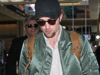Robert Pattinson Sighted at LAX Airport on October 3, 2016