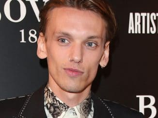 Jamie Campbell Bower - 2016 Brilliant is Beautiful Gala Dinner