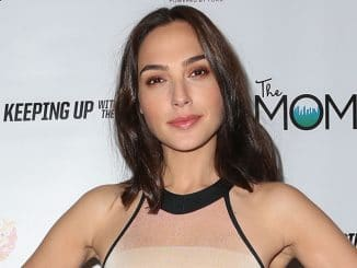 """Gal Gadot - Ford Warriors in Pink and The Moms Host a Mamarazzi Event and """"Keeping Up with the Joneses"""" Screening"""