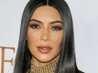 """Kim Kardashian West - """"The Promise"""" Los Angeles Premiere - Arrivals - TCL Chinese Theatre, 6925 Hollywood Boulevard - 3"""