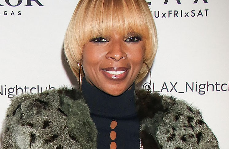 "Mary J. Blige - Mary J. Blige Hosts the Official ""King & Queen of Hearts"" Tour Afterparty at LAX Nightclub"