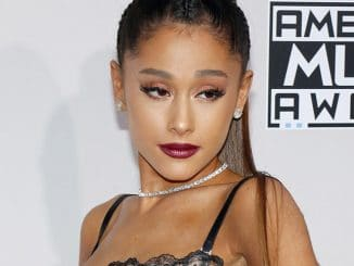 Ariana Grande - 2016 American Music Awards - 5