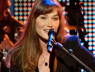 "Carla Bruni: Neues Album ""French Touch"" - Musik News"