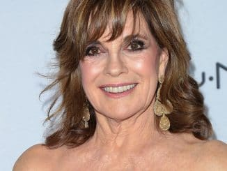 Linda Gray - 3rd Annual Hollywood Beauty Awards