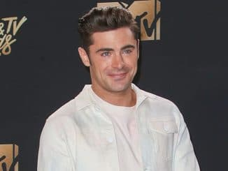 Zac Efron - 2017 MTV Movie and TV Awards - 2