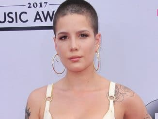 Halsey - 2017 Billboard Music Awards