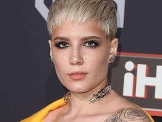 Halsey - 2017 iHeartRadio Music Awards