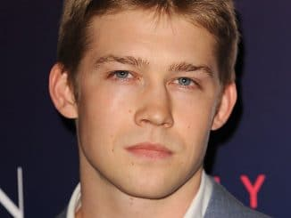 "Joe Alwyn - ""The Neon Demon"" UK Premiere"
