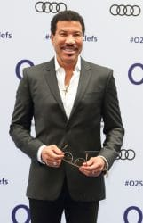 Lionel Richie - Nordoff Robbins O2 Silver Clef Awards 2016
